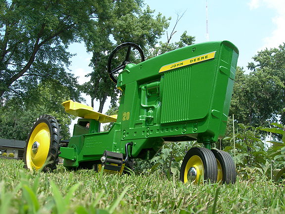 antique pedal tractor with 1969001 2 on Jd likewise pedaltractors as well PTO generators together with Tire additionally 351589119977.